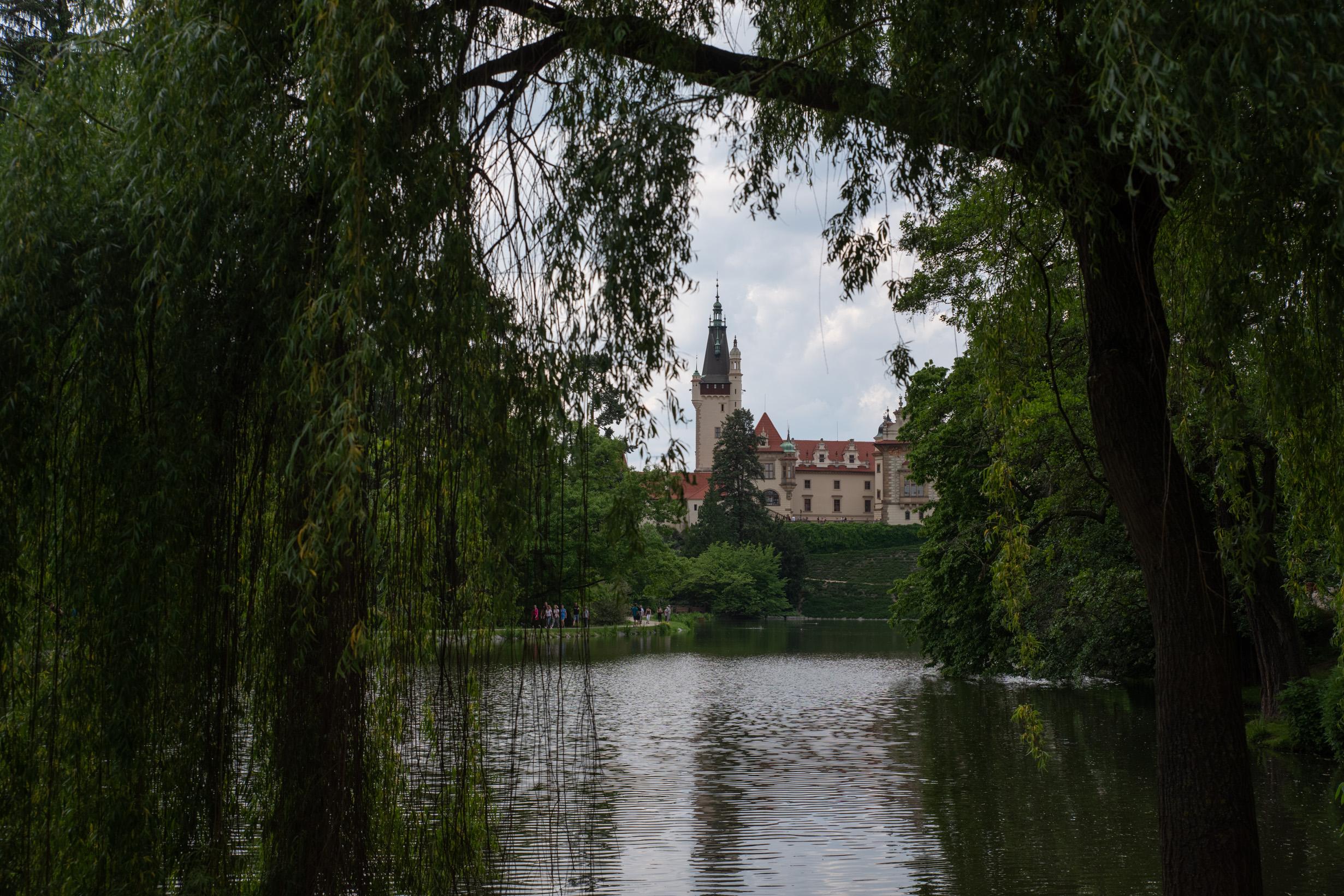 V Praze – při covidu blaze – Průhonický park a Olšany